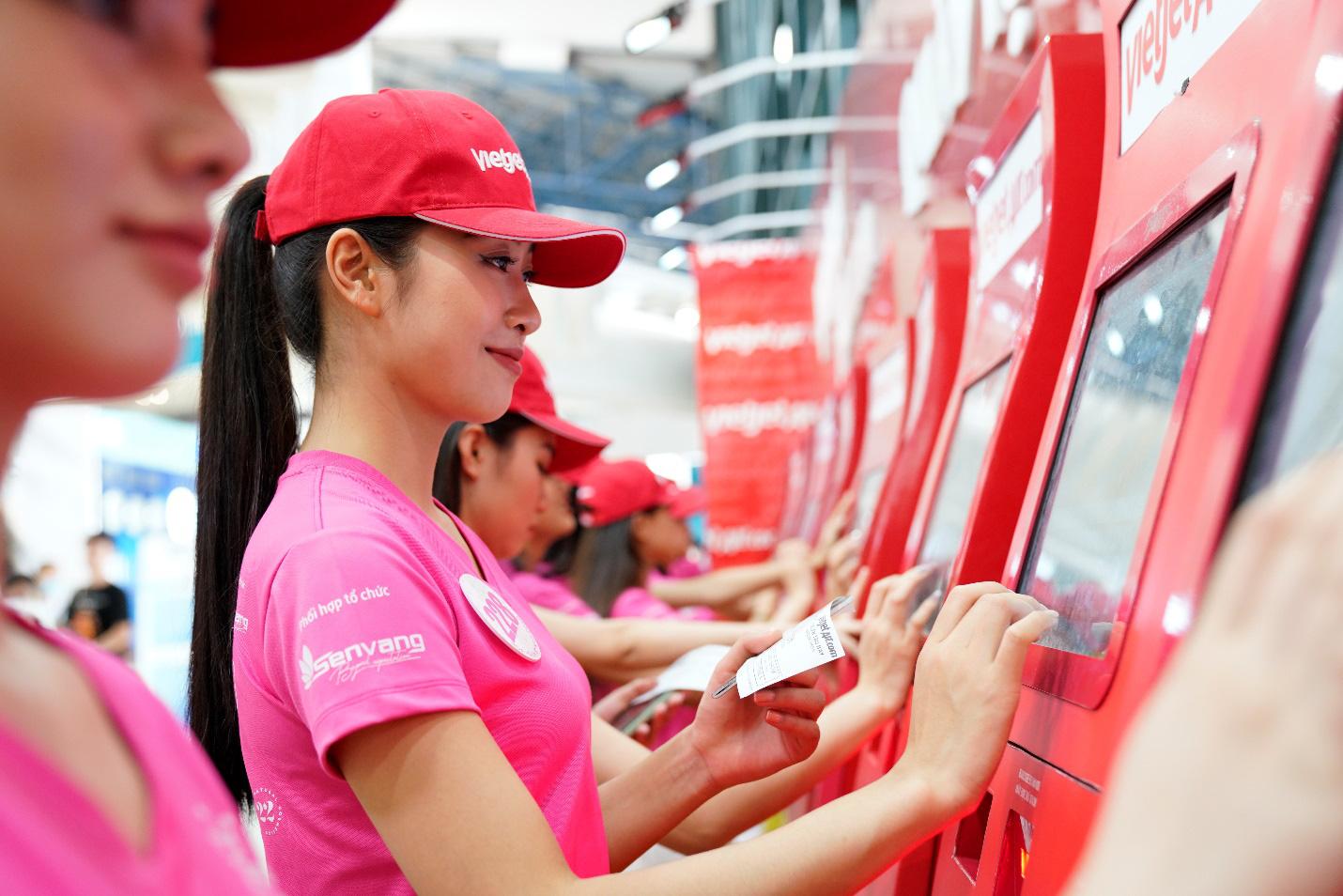Dàn thí sinh xuất sắc vòng Chung kết Hoa hậu Việt Nam 2020 lên đường thực hiện nhiệm vụ nhân ái - Ảnh 4.