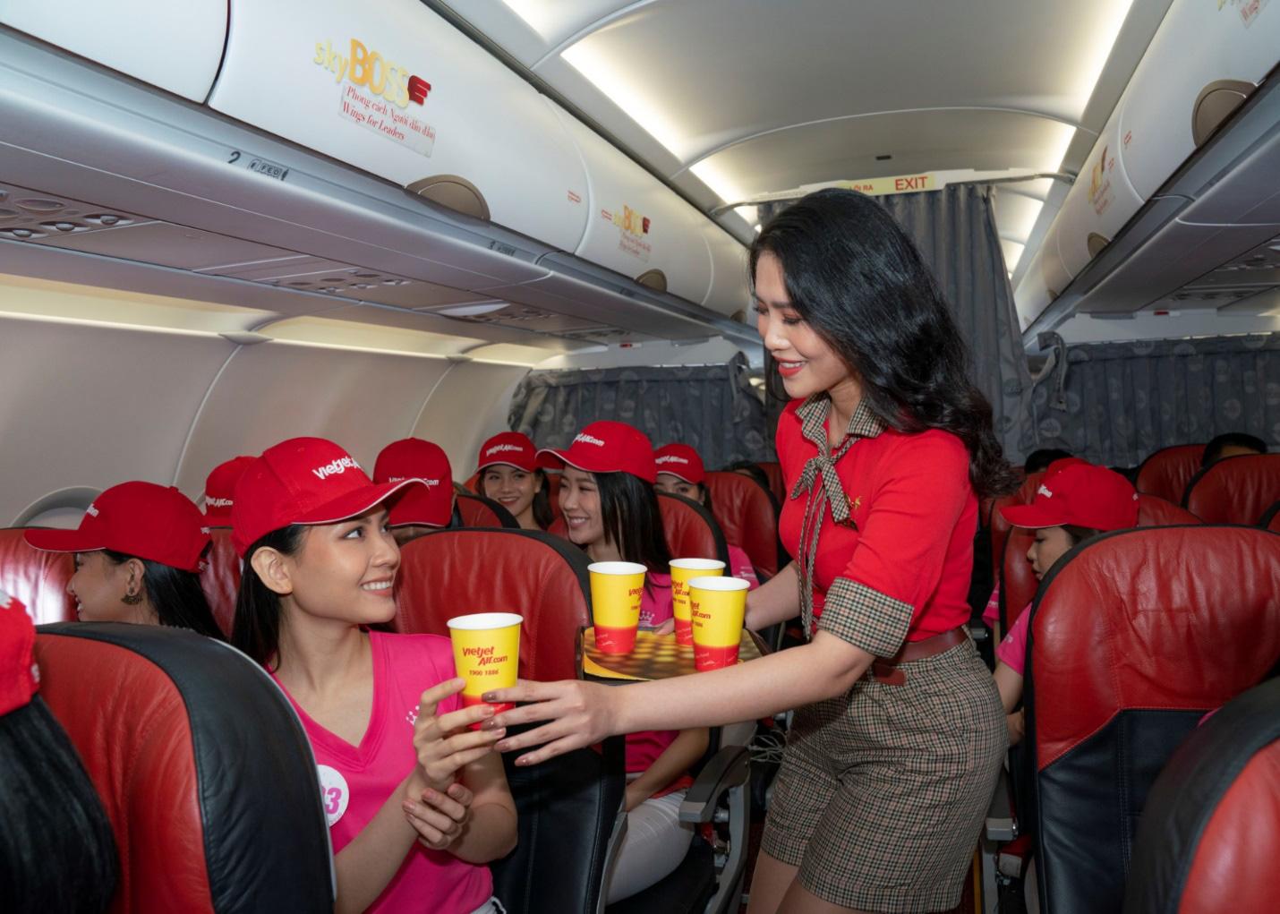 Dàn thí sinh xuất sắc vòng Chung kết Hoa hậu Việt Nam 2020 lên đường thực hiện nhiệm vụ nhân ái - Ảnh 8.