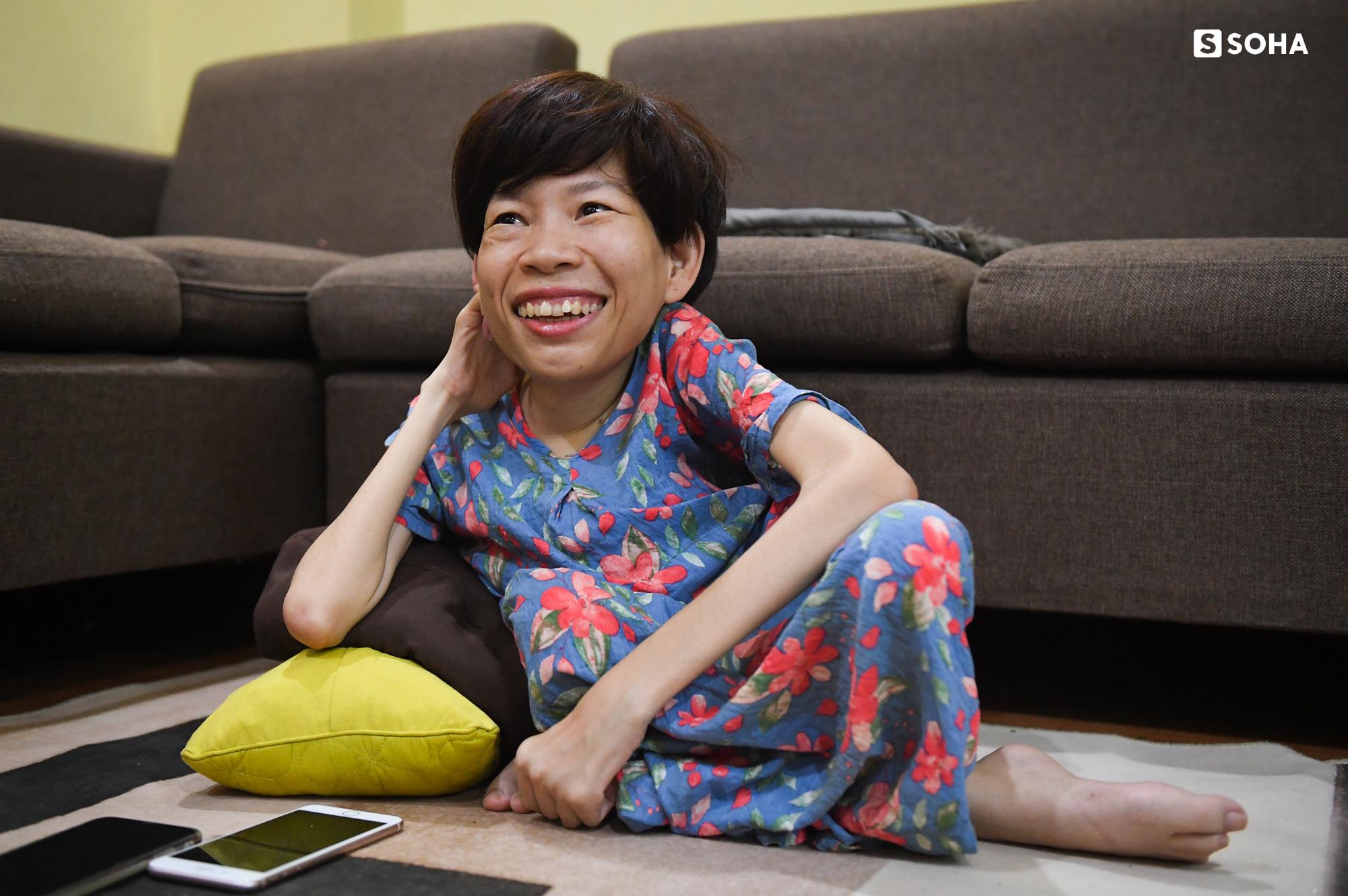 [Bí mật phòng Sếp] Nữ Chủ tịch nặng 20kg, ngồi xe lăn điều hành doanh nghiệp gần 100 người - Ảnh 13.