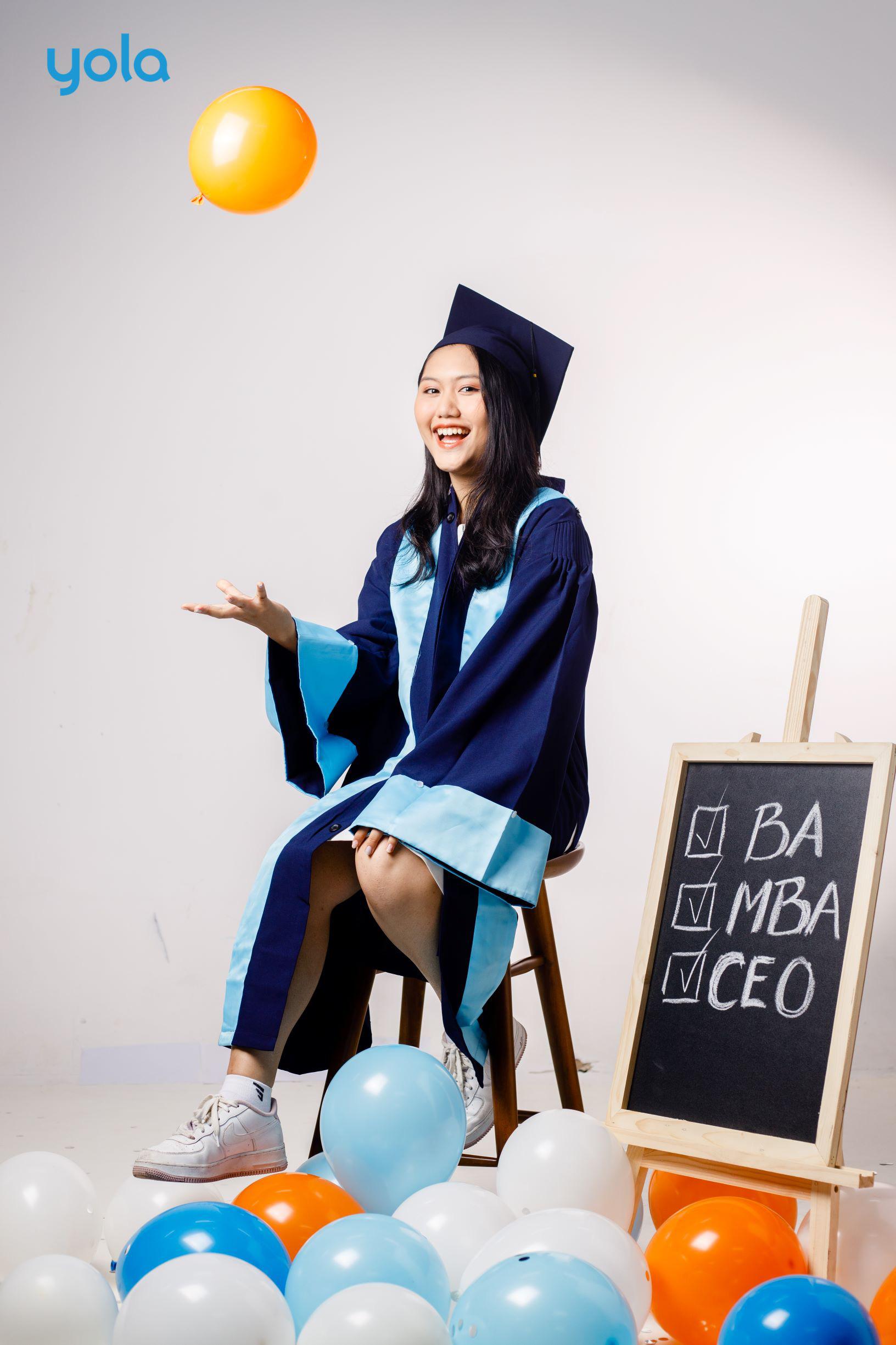Từ dự án kính đeo hỗ trợ người khuyết tật đến ước mơ du học của nữ sinh Lê Hồng Phong - Ảnh 1.