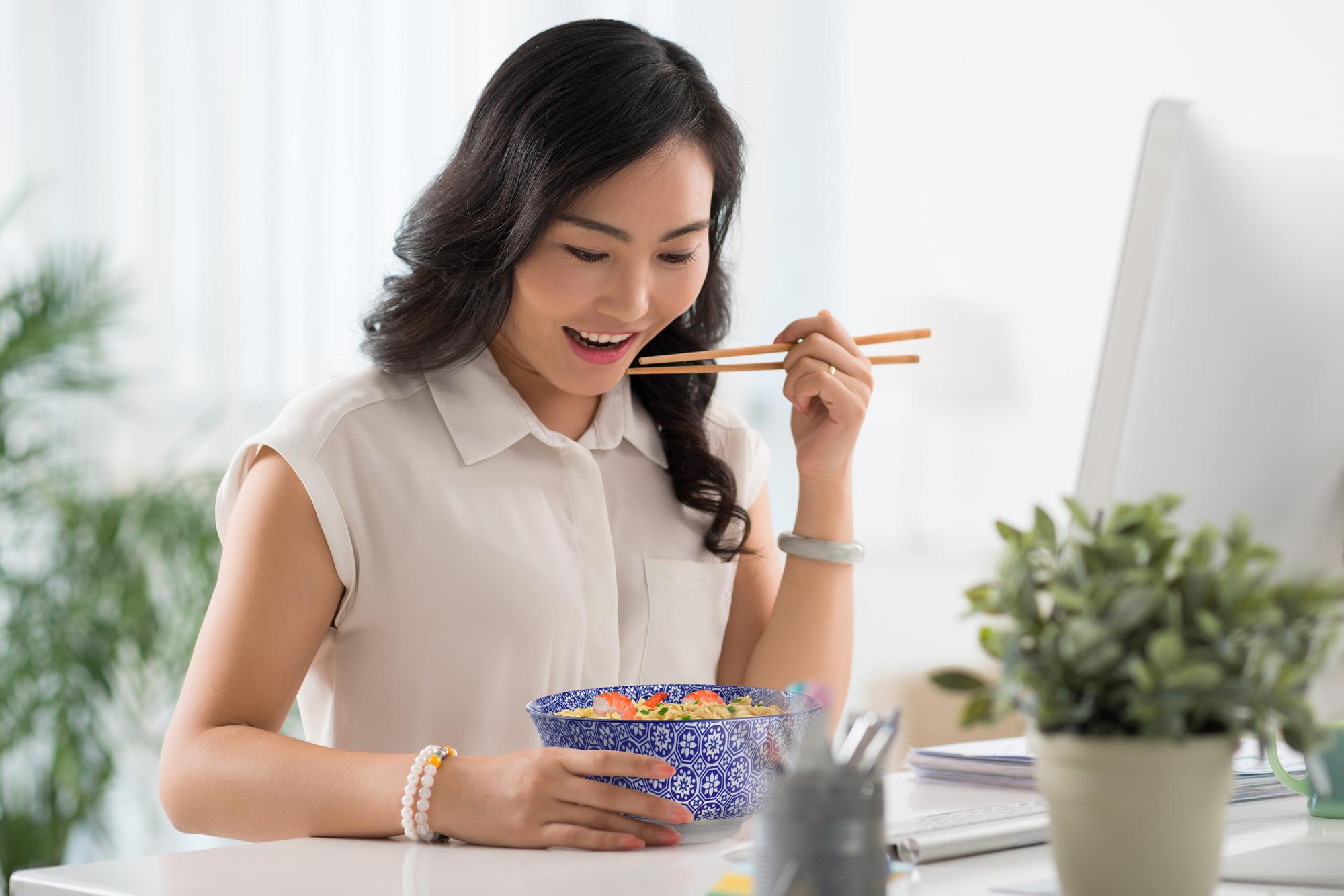 Checklist ăn mì của hội sống xanh: Chua cay chưa đủ mà phải có thêm thành phần này! - Ảnh 2.