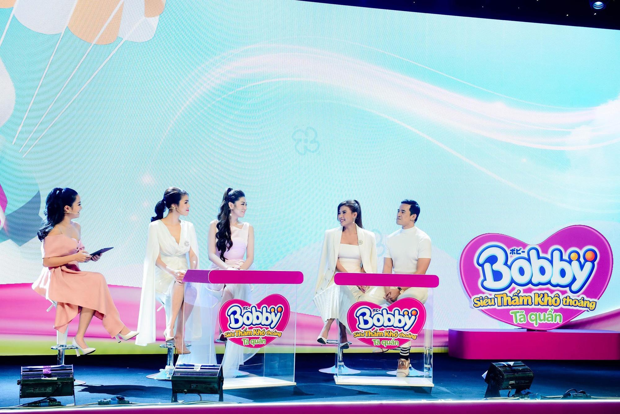 """Điều gì khiến dàn khách mời siêu mẫu Lan Khuê, Á hậu Tú Anh kinh ngạc trong sự kiện """"hạ cánh"""" siêu phẩm từ nhãn hiệu tã nổi tiếng? - Ảnh 2."""