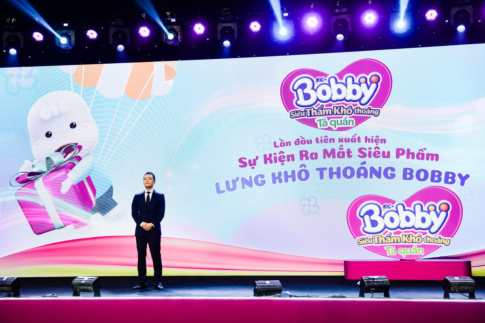 """Điều gì khiến dàn khách mời siêu mẫu Lan Khuê, Á hậu Tú Anh kinh ngạc trong sự kiện """"hạ cánh"""" siêu phẩm từ nhãn hiệu tã nổi tiếng? - Ảnh 12."""