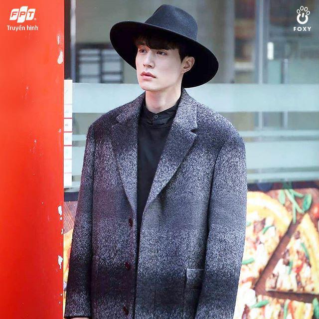 3 vật bất ly thân, nhắc tên là nhớ ngay vai diễn của Lee Dong Wook - Ảnh 3.