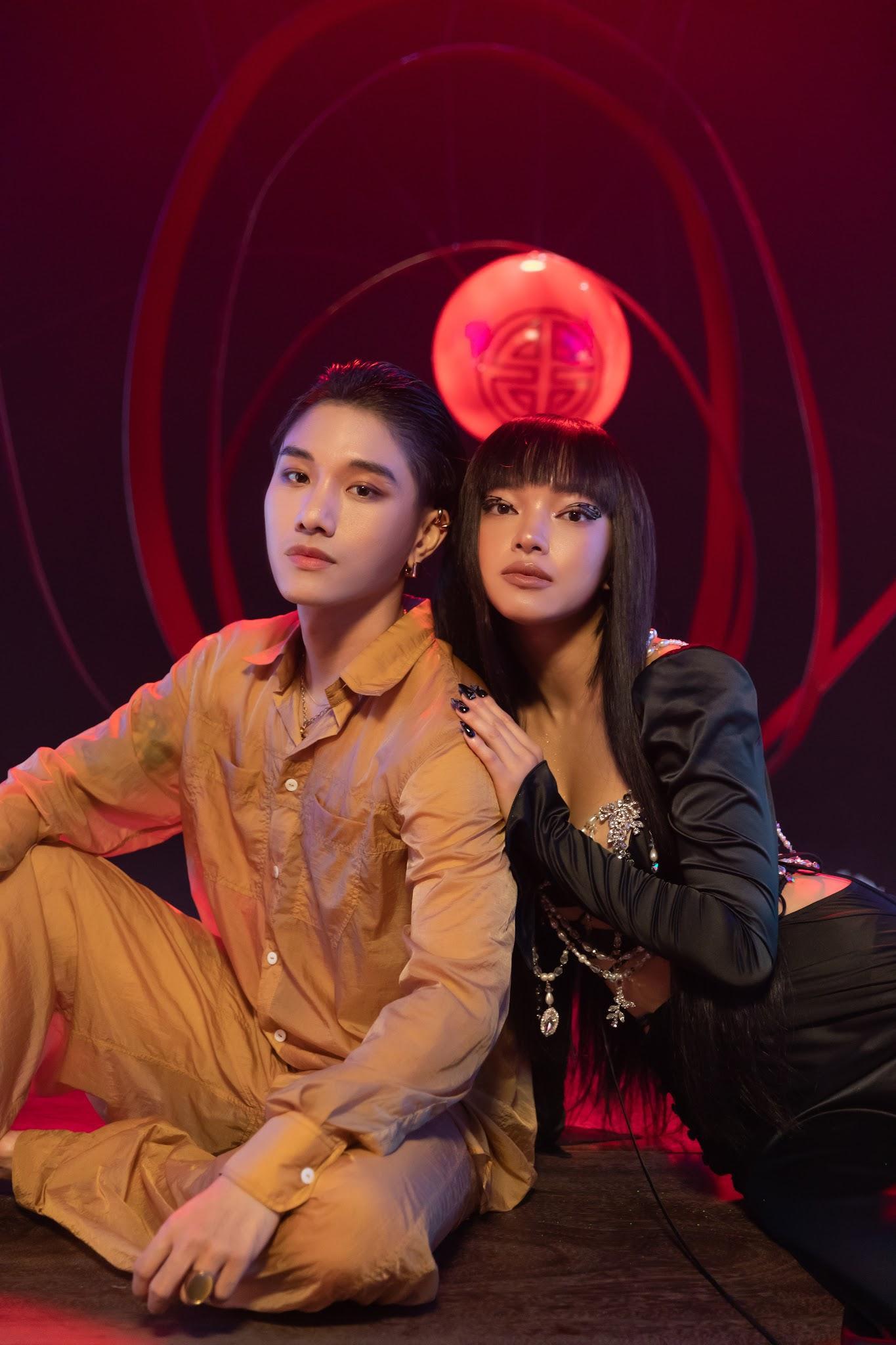 """MV JUUN D x Châu Bùi có gì hot: Chàng thì """"ngốc"""", nàng thì """"bốc"""" và style đều rất """"sốc""""! - Ảnh 9."""