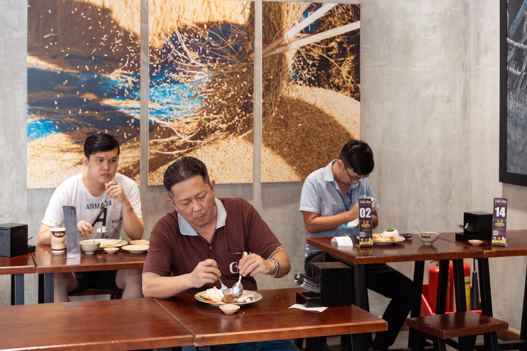 """Trót mê mẩn cơm tấm thì không thể bỏ qua địa chỉ """"ngon nức lòng"""" ở Sài Gòn - Ảnh 4."""