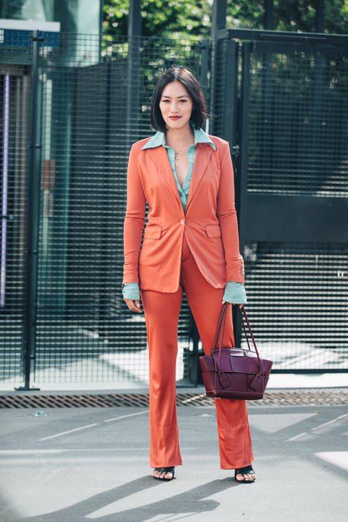 Không khóa đóng, không logo nổi bật, chiếc túi này có gì hot mà khiến loạt fashionista thế giới phải điên đảo? - Ảnh 6.