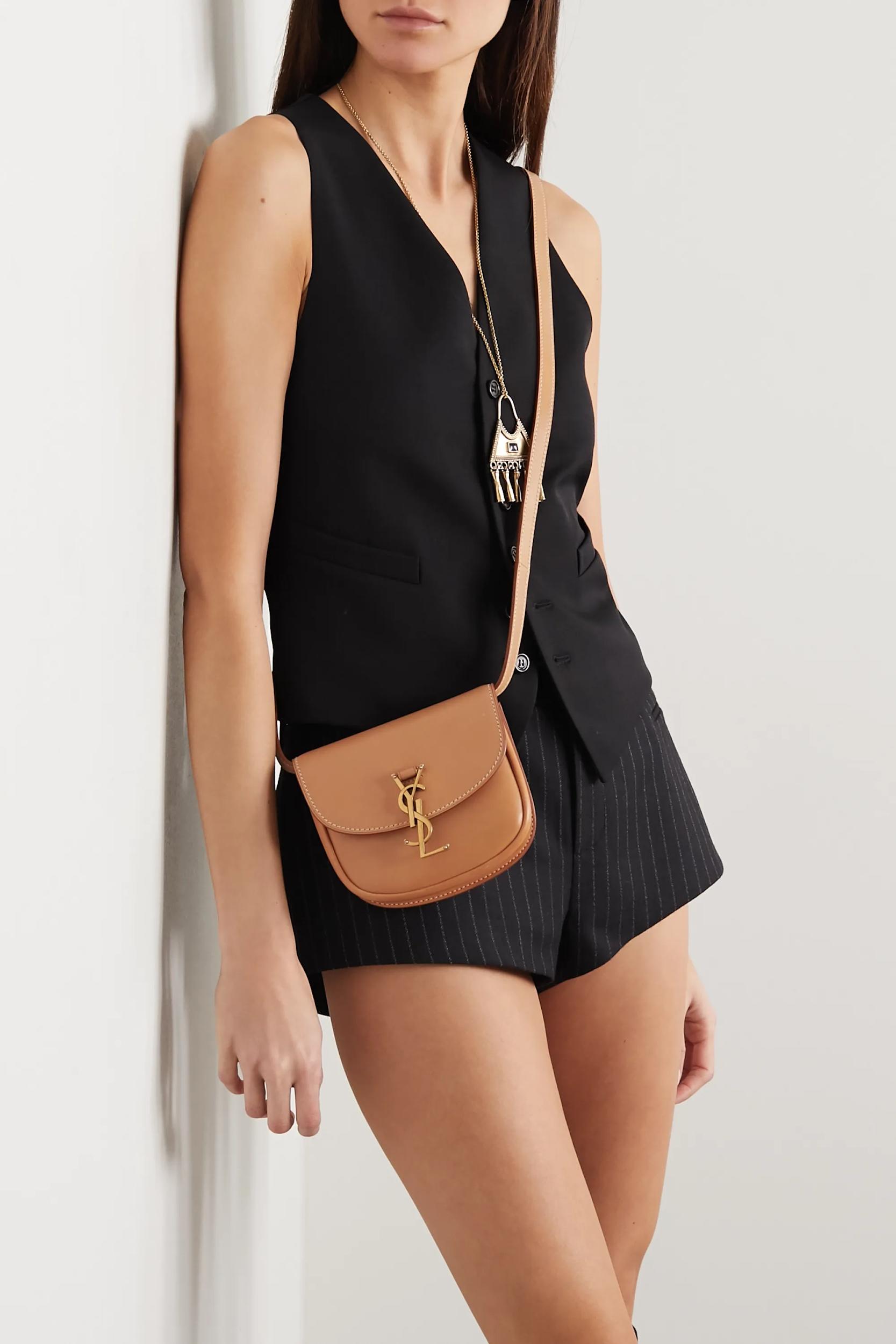 Thường chọn tone chủ đạo là đen, tại sao phái đẹp vẫn săn lùng túi Saint Laurent nồng nhiệt tới vậy? - ảnh 2