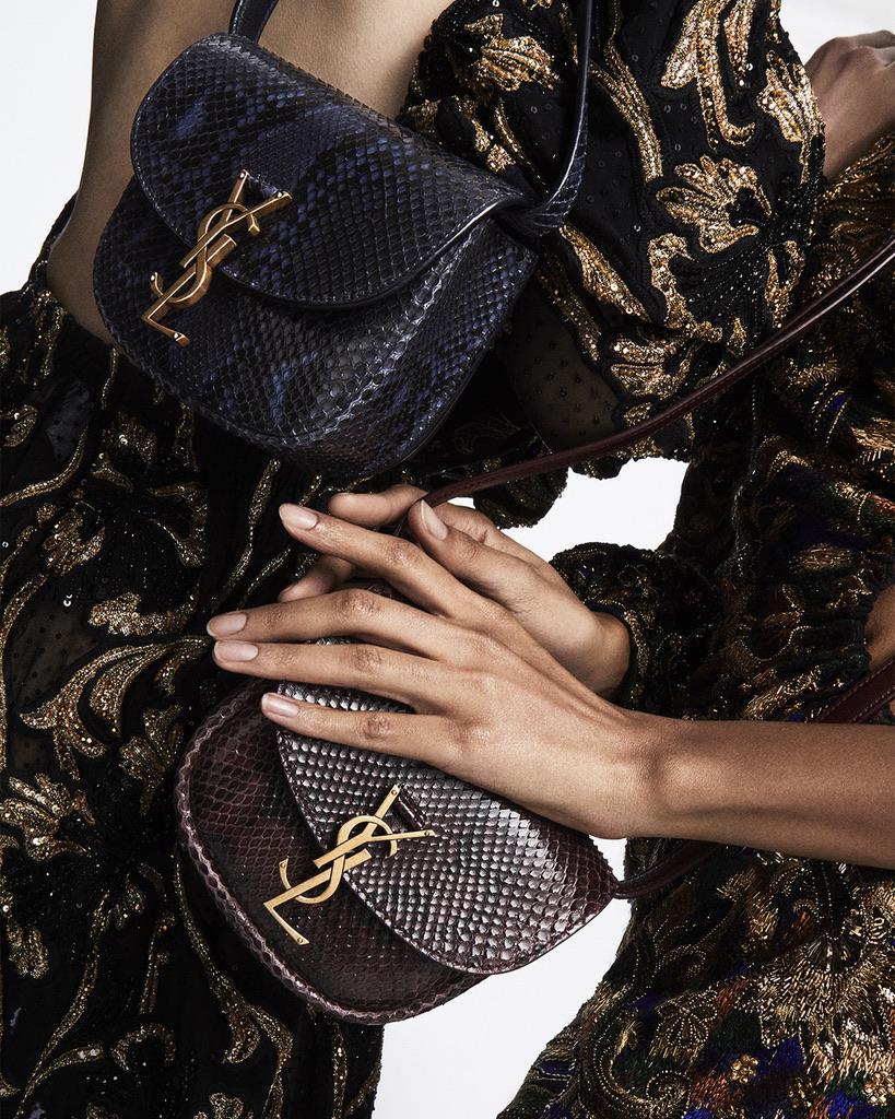Thường chọn tone chủ đạo là đen, tại sao phái đẹp vẫn săn lùng túi Saint Laurent nồng nhiệt tới vậy? - ảnh 4