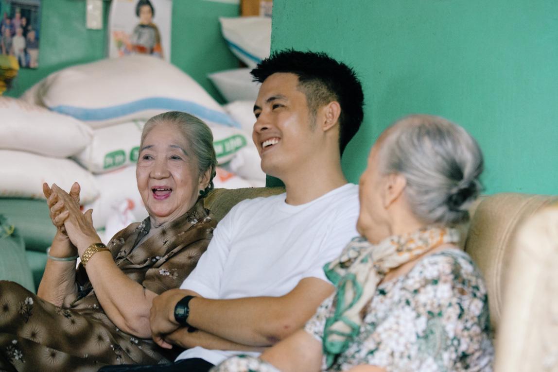 """Theo chân Chan La Cà đến nơi lưu giữ nhiều câu chuyện """"showbiz thời ông bà anh"""" - Ảnh 1."""