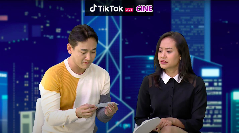 """Đạo diễn, diễn viên Tiệc Trăng Máu chơi thử thách cực """"lầy lội"""" trên livestream của TikTok - Ảnh 2."""