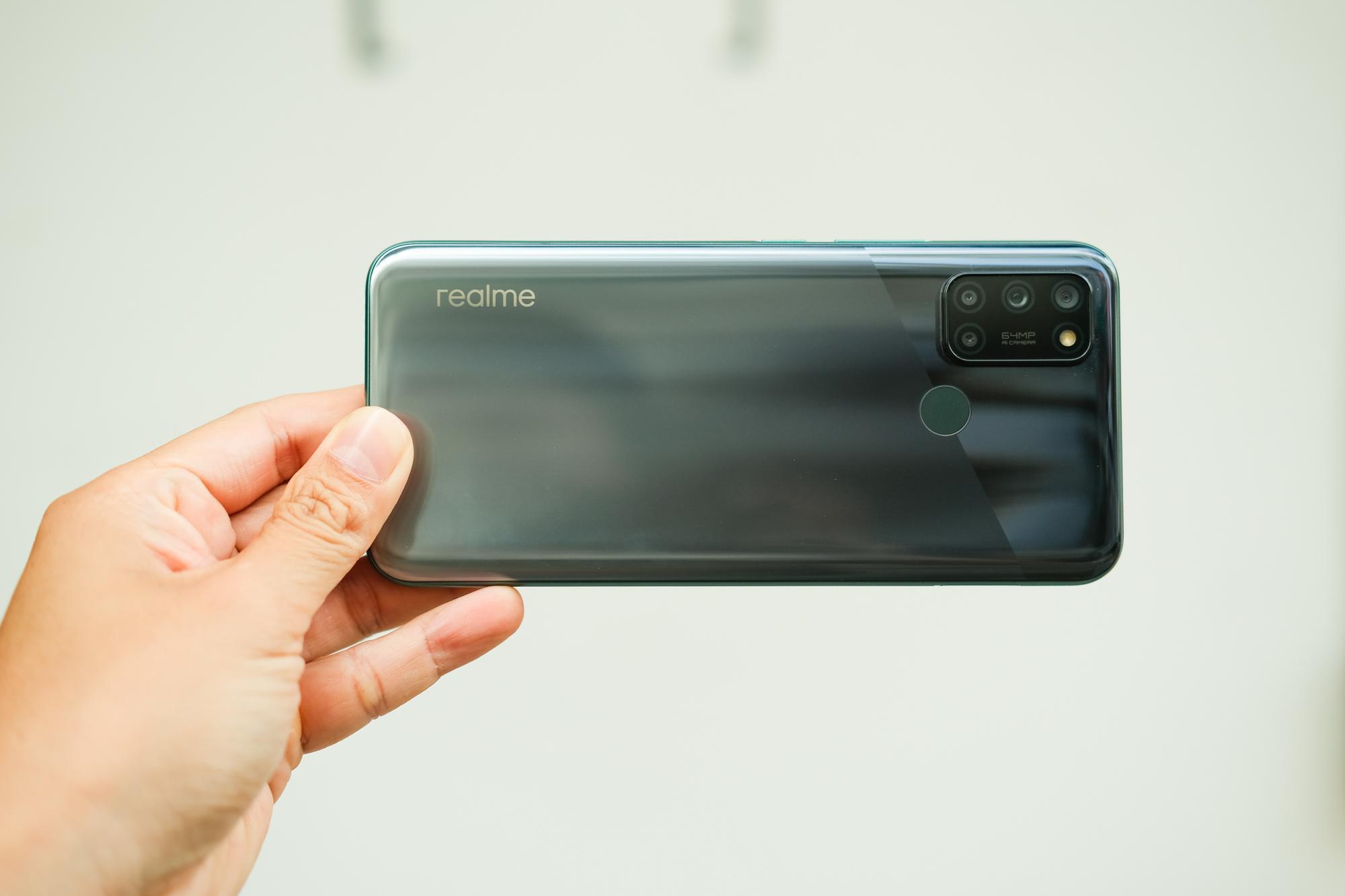 realme 7i: Bộ 4 camera 64MP AI sắc nét, pin trâu, sạc nhanh, dung lượng lưu trữ lớn - Ảnh 2.