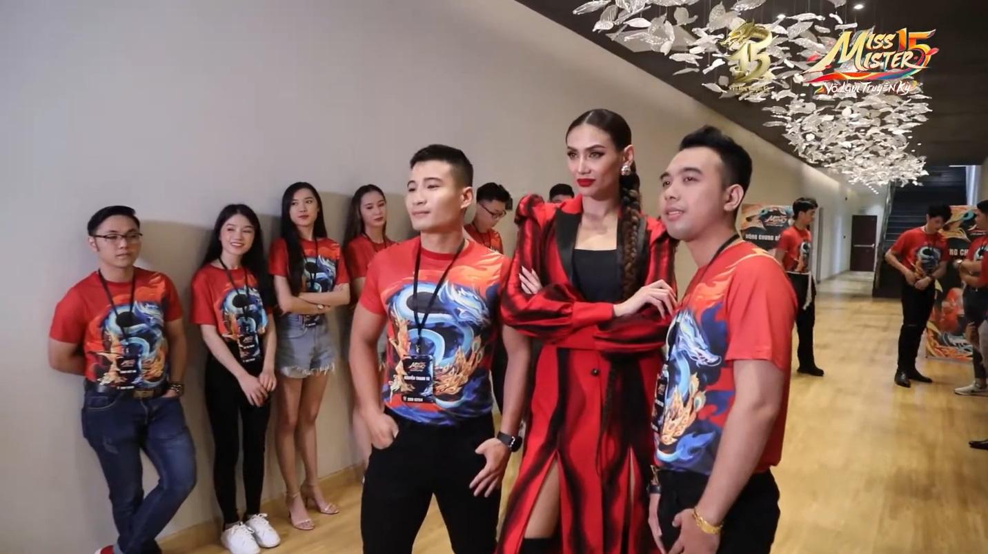 Tập 2 Chung kết Miss & Mister VLTK 15: Sự xuất hiện của siêu mẫu Võ Hoàng Yến và buổi tiệc bất ngờ tại nhà chung - Ảnh 4.