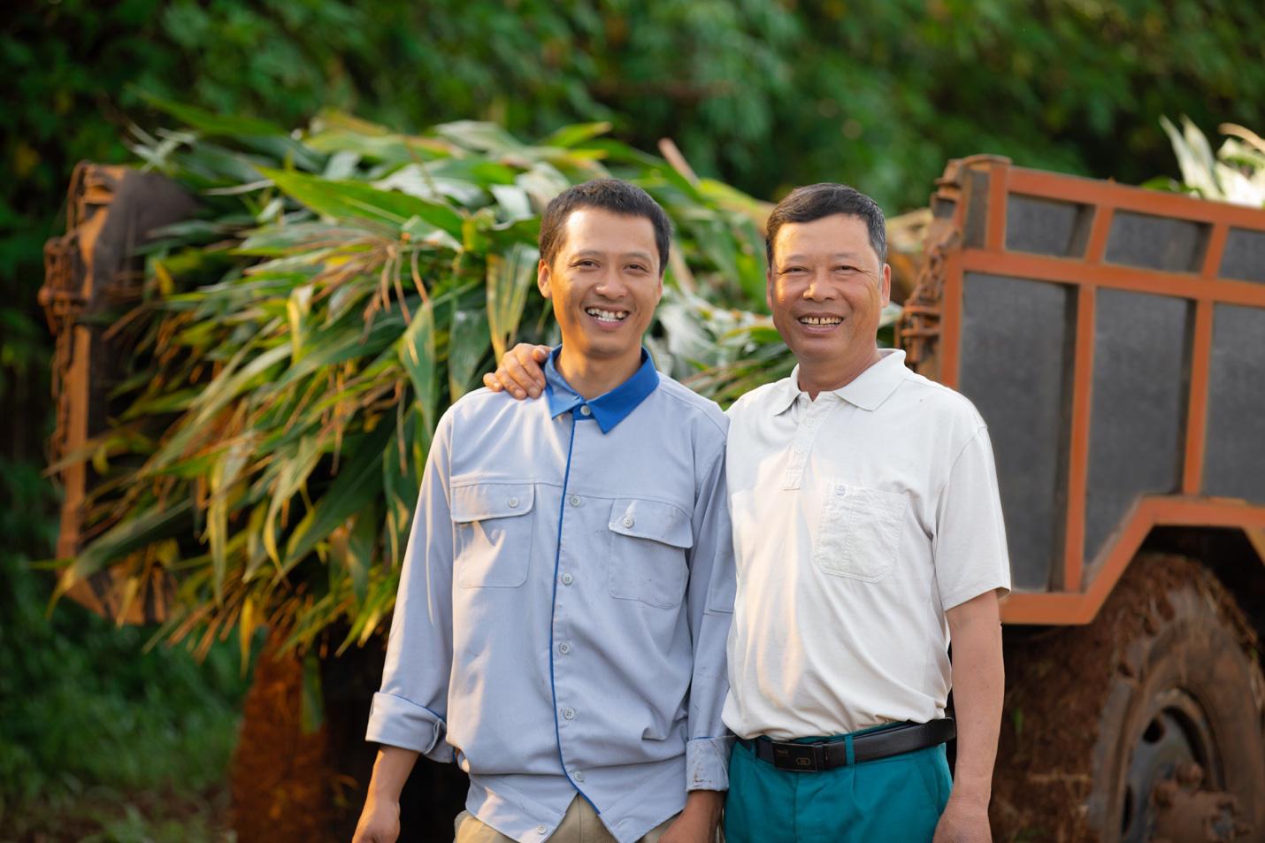 Theo chân nhiếp ảnh gia nổi tiếng: Bất ngờ trước nỗ lực sản xuất dòng sữa chuẩn Hà Lan của nhiều thế hệ nông dân Việt - Ảnh 2.
