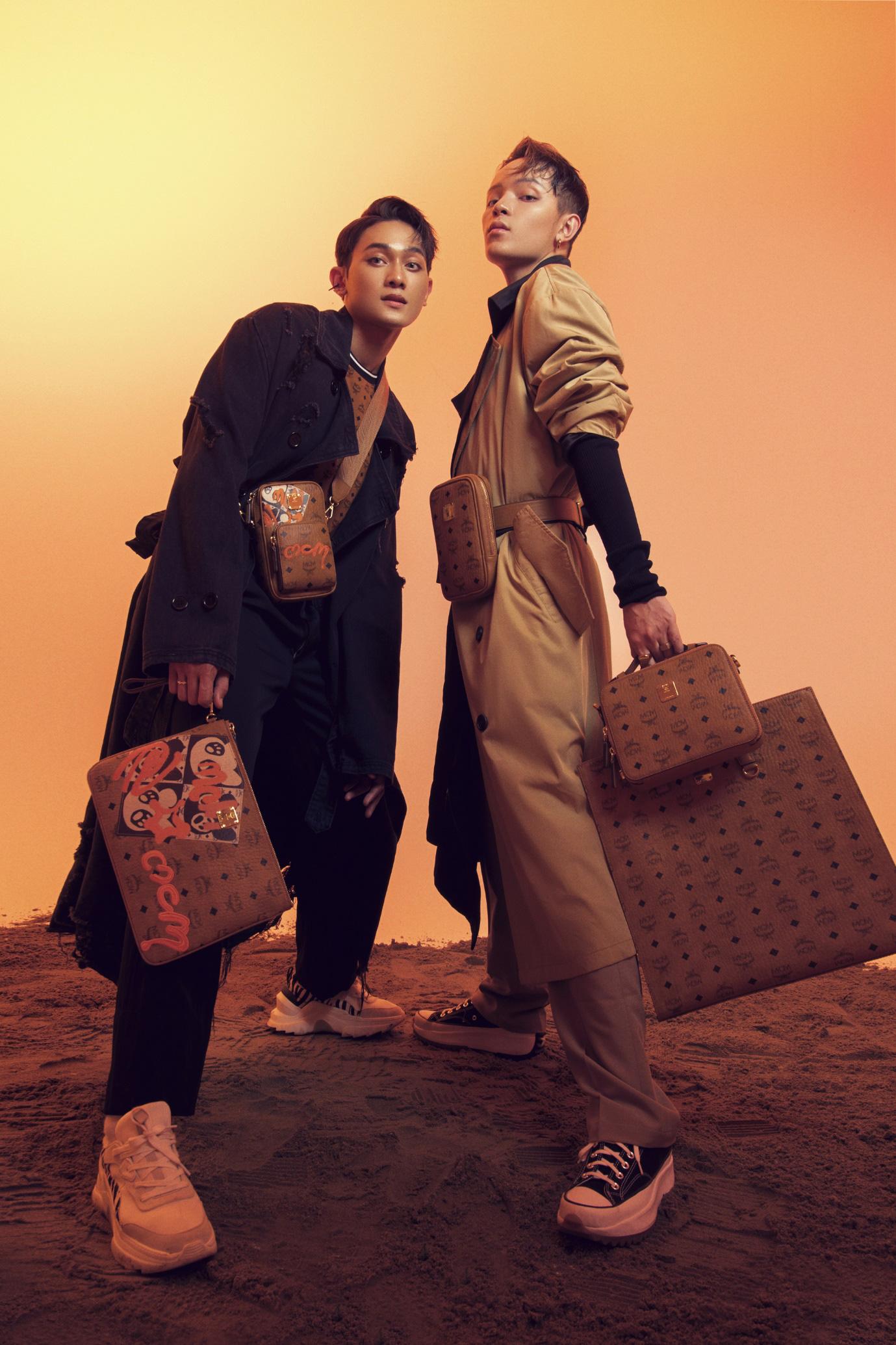 Fashionisto Kelbin Lei biến tấu ấn tượng BST Thu Đông 2020 của thương hiệu MCM - Ảnh 1.