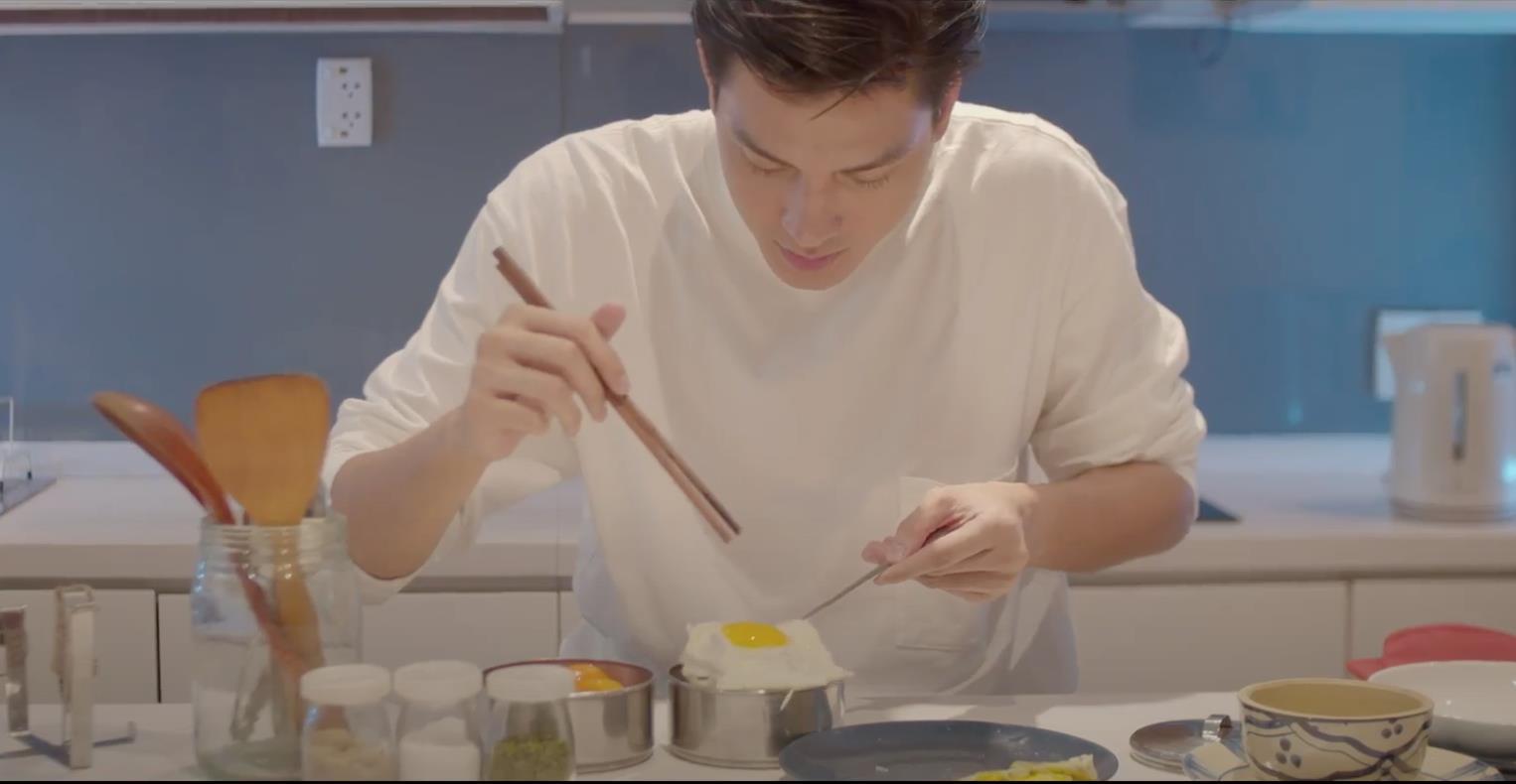 Chẳng phải fan girl cũng bị Quang Đại đốn tim sau loạt hành động ngọt ngào trong video sống xanh cùng Trang Olive - Ảnh 3.
