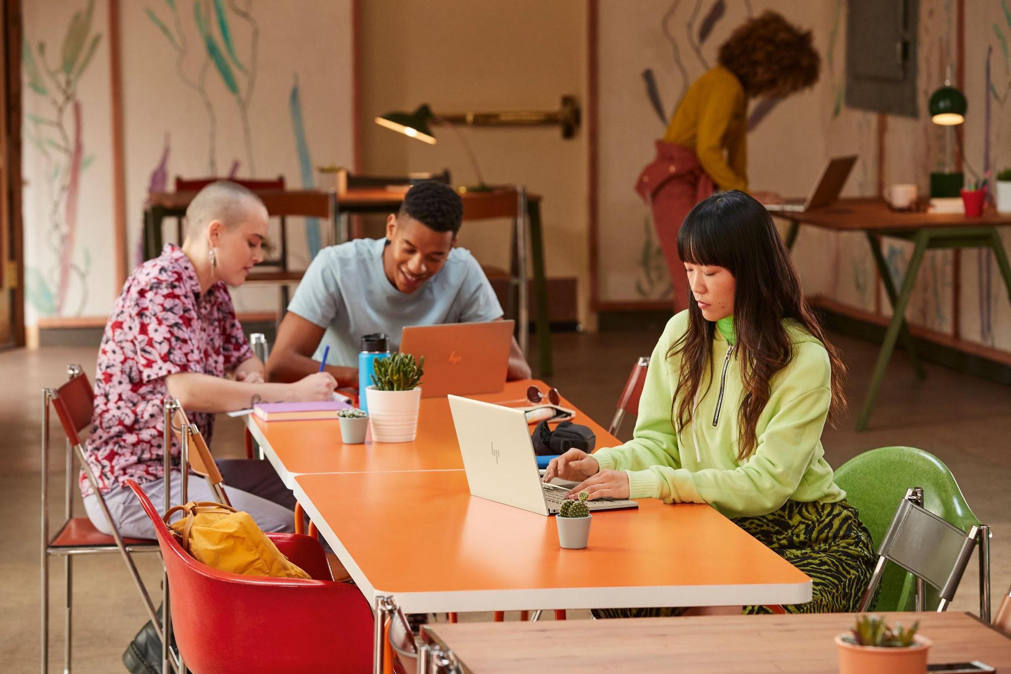 HP Envy 13 nâng cấp cấu hình: Intel Tiger Lake, 16GB RAM, pin trên 9 giờ, Office bản quyền - Ảnh 2.