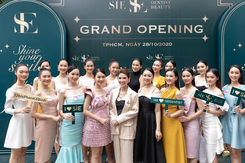 CEO Lâm Ngân khai trương nha khoa Sìe Dentist cùng top 35 thí sinh Hoa hậu Việt Nam 2020 - Ảnh 4.