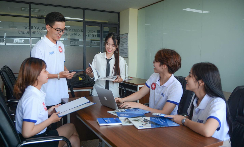 Học chương trình Cử nhân liên kết đào tạo quốc tế Việt - Hàn trường Đại học Ngoại thương: Giúp bạn định hướng tương lai! - Ảnh 1.