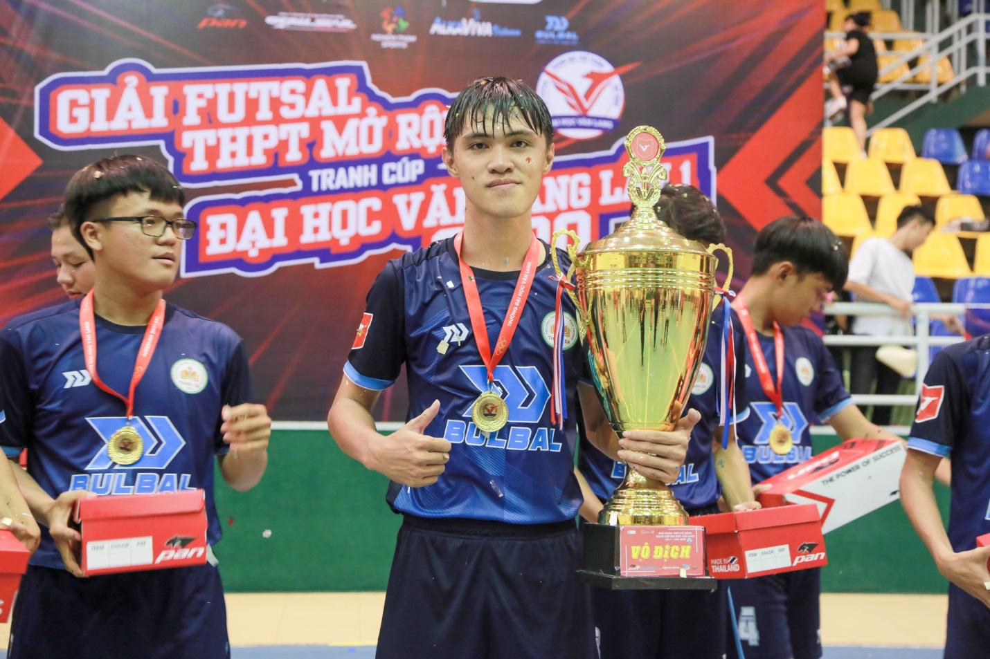 THPT Thanh Đa vô địch Giải Futsal học sinh THPT mở rộng tranh cúp ĐH Văn Lang năm 2020 - Ảnh 2.