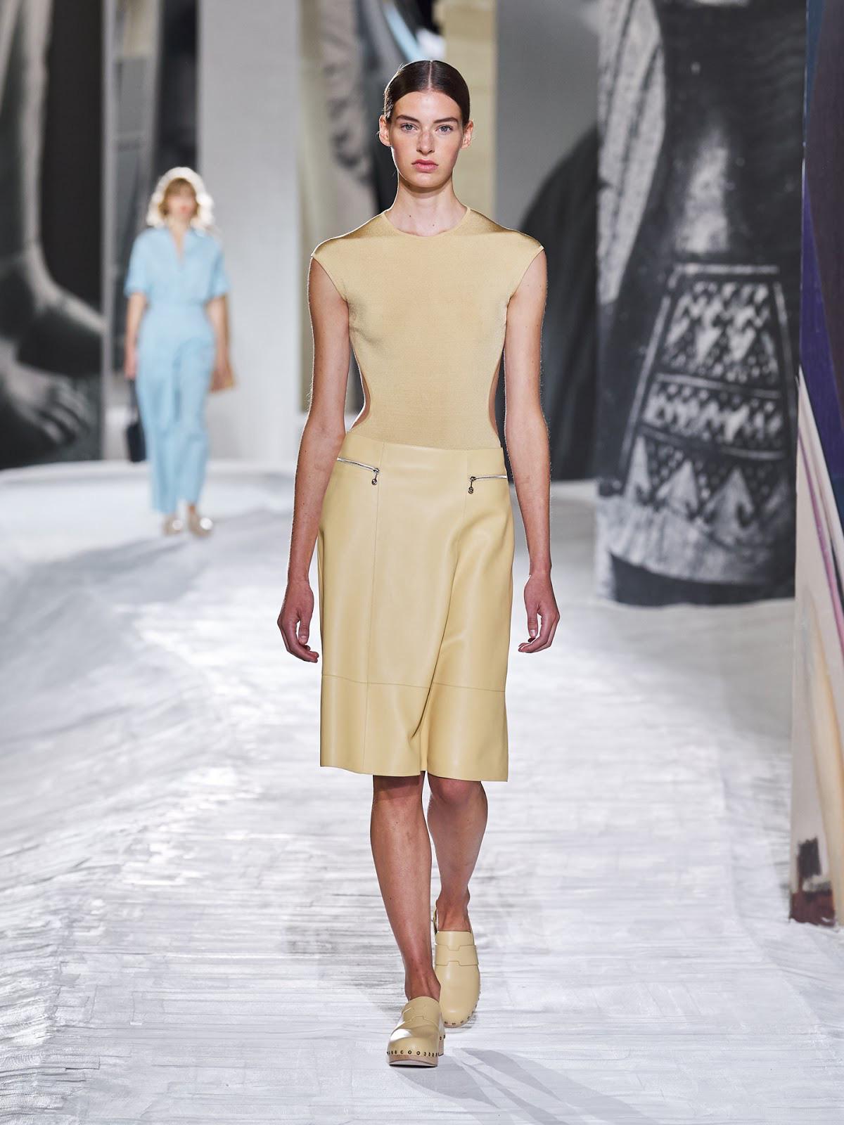 Hermès Xuân - Hè 2021: Bộ sưu tập chắp vá và giấc mơ xa xỉ bình dị của Nadège Vanhee-Cybulski - Ảnh 2.