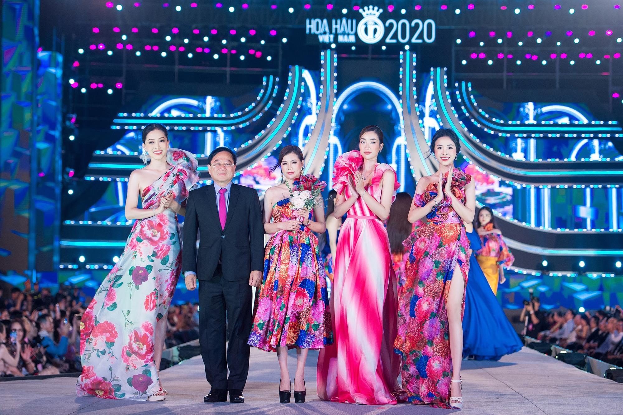 Mãn nhãn với đêm thi Người đẹp Thời trang của các thí sinh HHVN 2020 trong trang phục Neva - Ảnh 4.