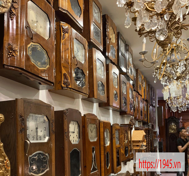 Chiêm ngưỡng bộ sưu tập đồng hồ cổ 1945.vn tại Hà Nội - Ảnh 1.