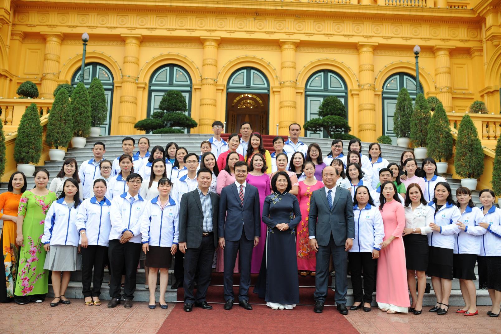 Thiên Long bày tỏ lòng biết ơn đến những người cống hiến cho giáo dục trong tháng 11 - Ảnh 1.