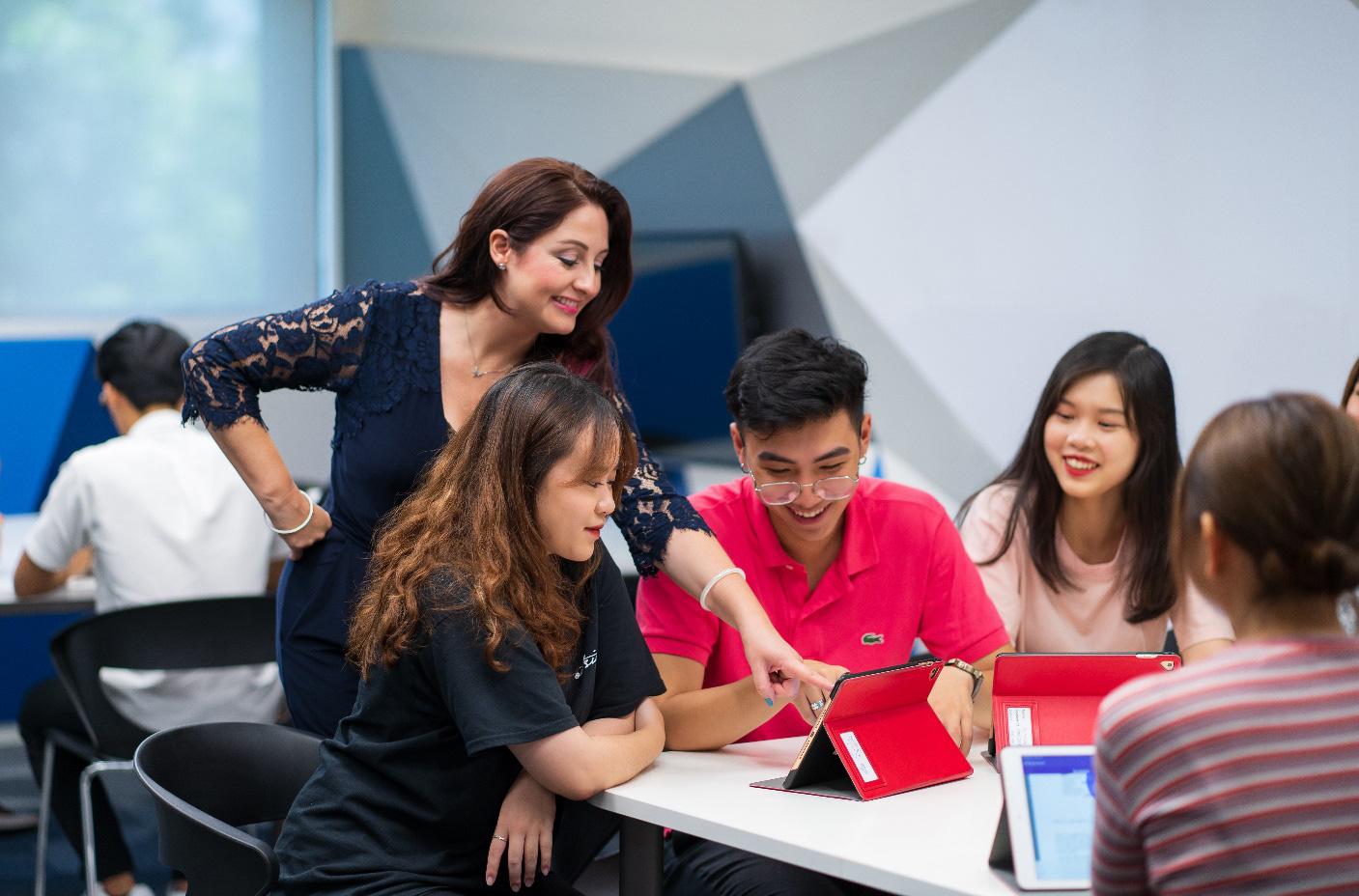 Trường Đại học Anh Quốc Việt Nam nâng giá trị quỹ học bổng và hỗ trợ tài chính lên 53 tỷ đồng - Ảnh 4.