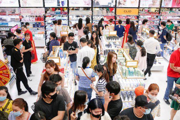 """Lập """"hattrick"""" 3 tuần mở 3 siêu thị, AB Beauty World """"hút"""" hàng ngàn lượt khách - Ảnh 4."""