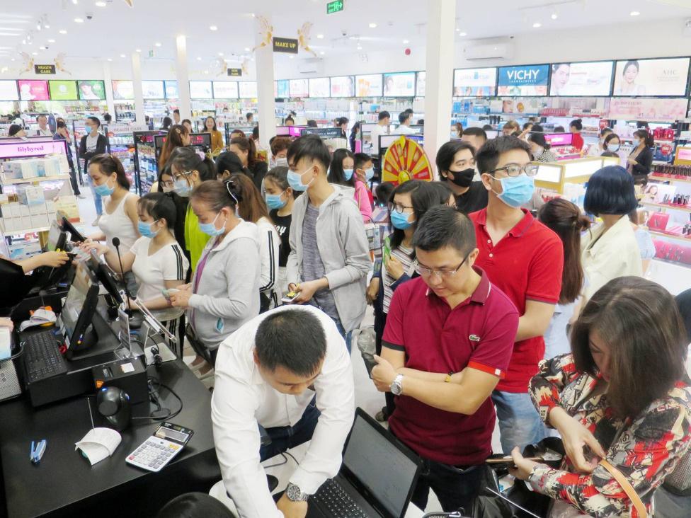 """Lập """"hattrick"""" 3 tuần mở 3 siêu thị, AB Beauty World """"hút"""" hàng ngàn lượt khách - Ảnh 7."""