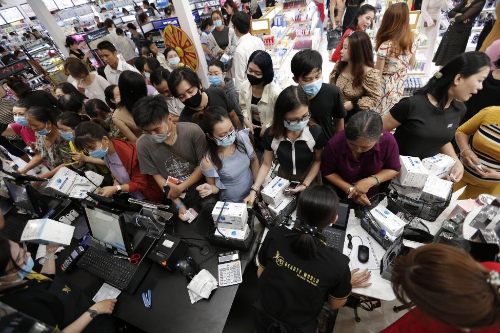"""Lập """"hattrick"""" 3 tuần mở 3 siêu thị, AB Beauty World """"hút"""" hàng ngàn lượt khách - Ảnh 10."""