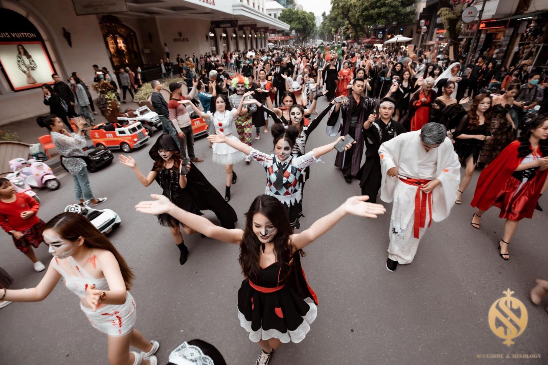 Halloween Festival siêu hoành tráng tại phố đi bộ hồ Hoàn Kiếm - Ảnh 5.