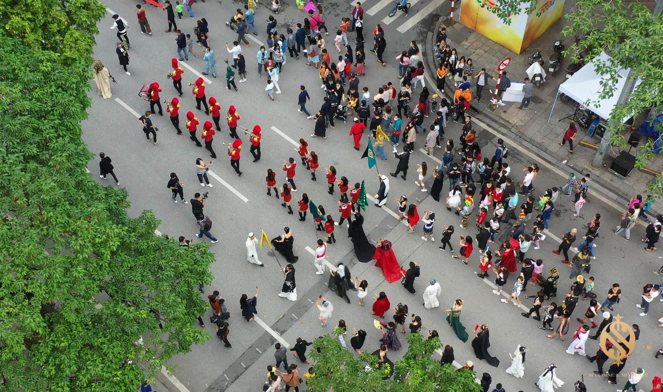Halloween Festival siêu hoành tráng tại phố đi bộ hồ Hoàn Kiếm - Ảnh 6.