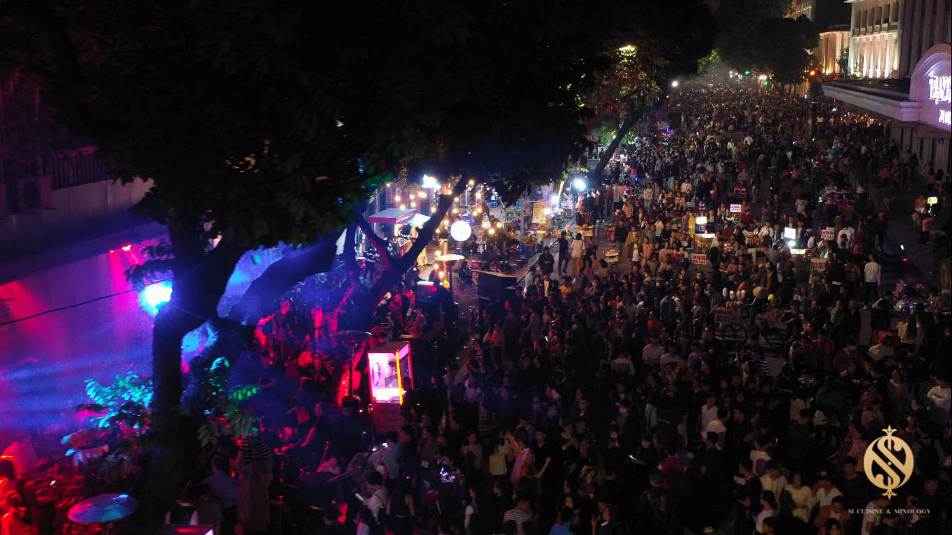 Halloween Festival siêu hoành tráng tại phố đi bộ hồ Hoàn Kiếm - Ảnh 7.