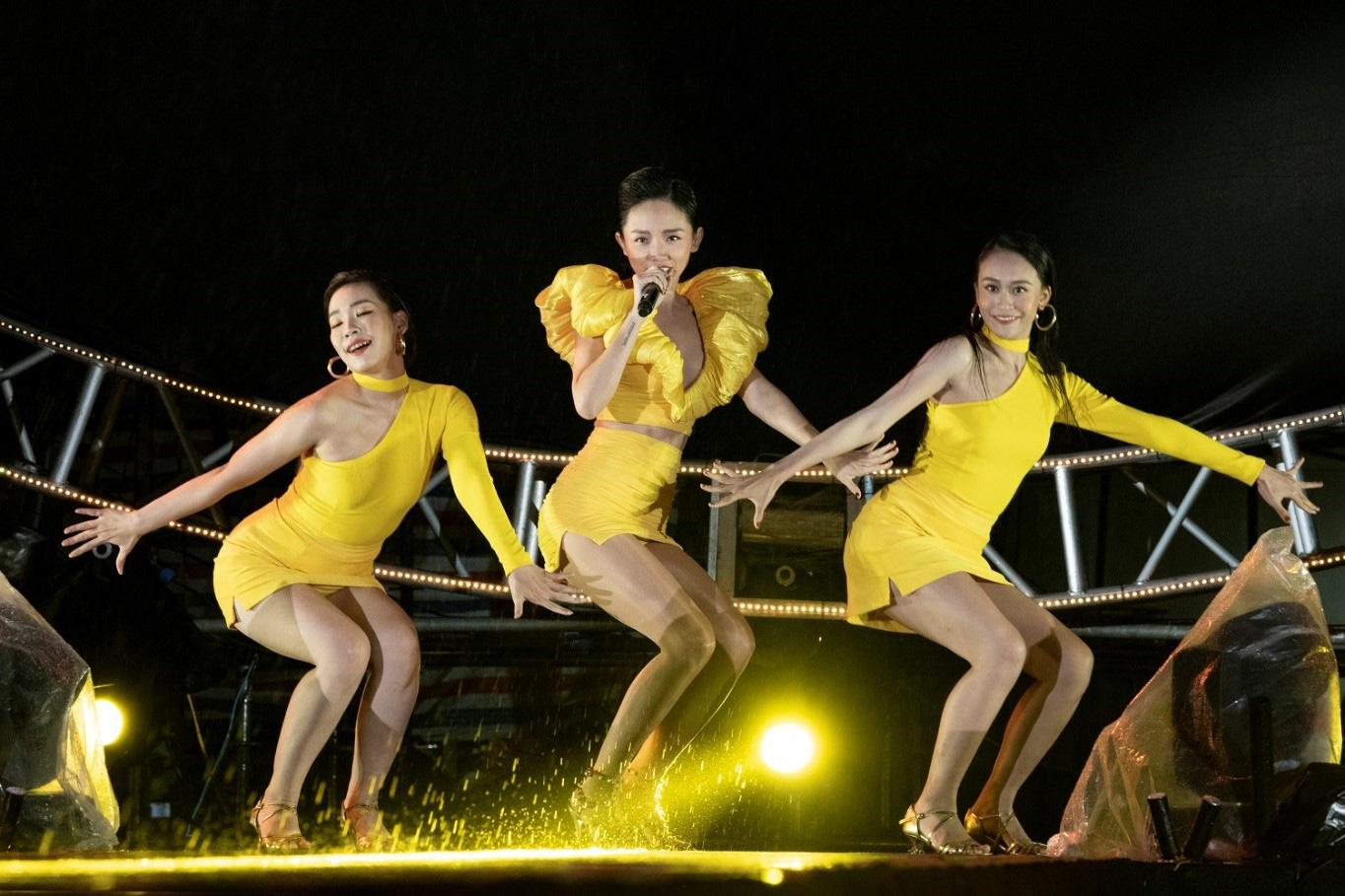 Quán quân Rap Việt 2020 Dế Choắt có màn trình diễn trên sân khấu lớn tại Đà Nẵng, sẽ song ca cùng Tóc Tiên? - Ảnh 3.
