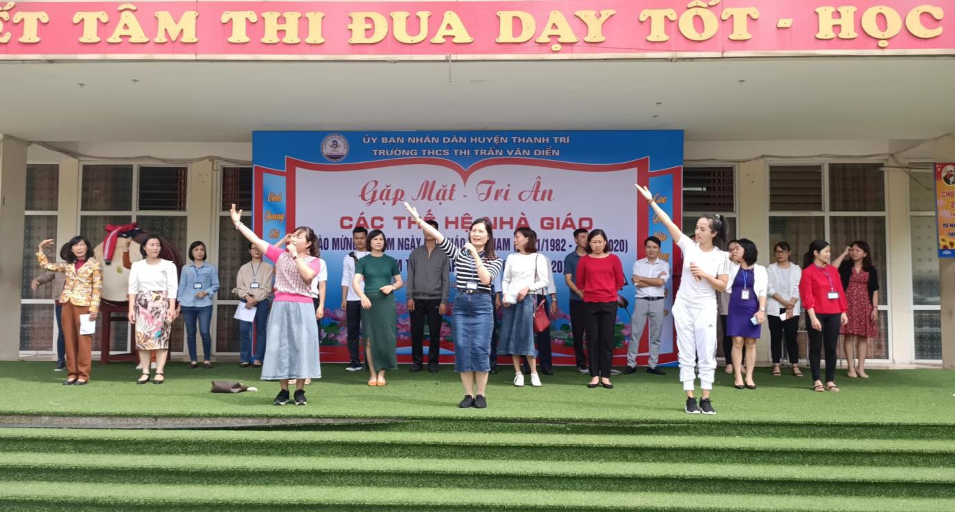 Nhạc sĩ Đinh Khánh Ly tri ân Ngày Nhà giáo Việt Nam qua hai ca khúc mới - Ảnh 4.