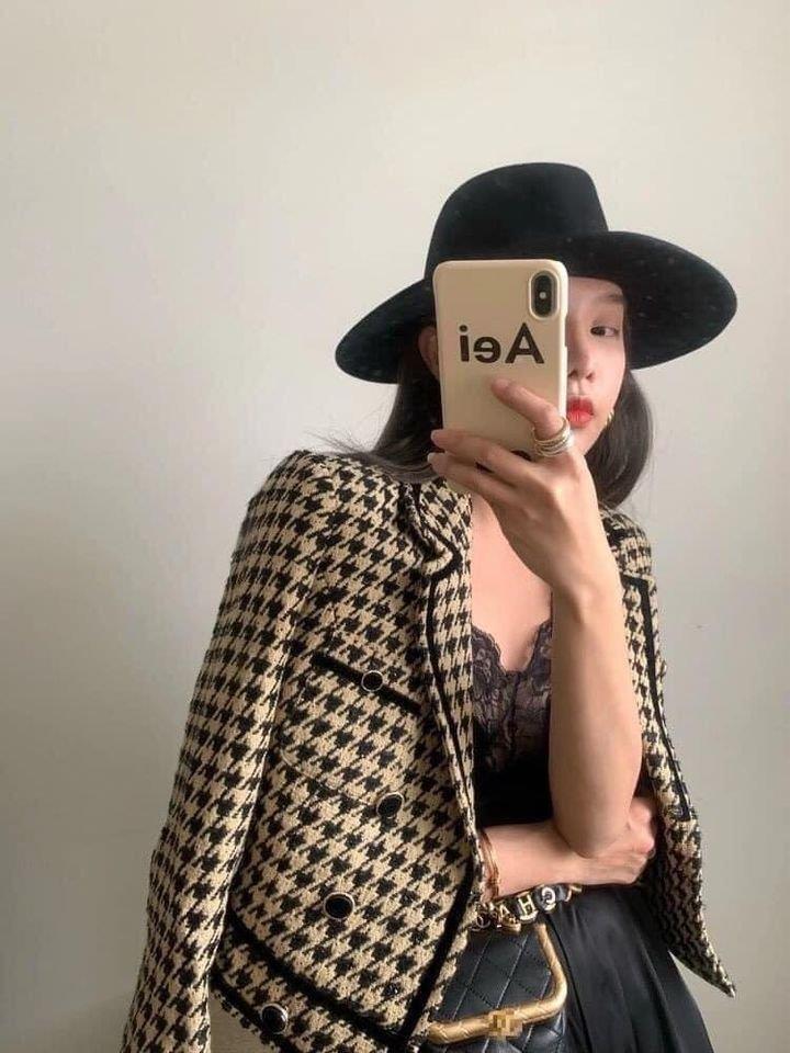Lê Hồng Ngọc Cẩm Store lý giải xu hướng áo dạ tweed năm 2020 - Ảnh 1.