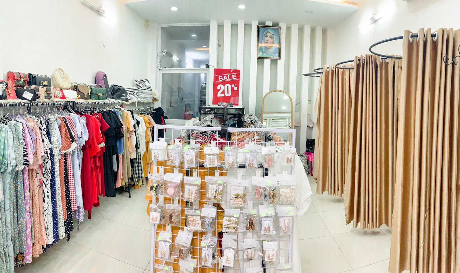 Sắm ngay váy áo ngọt ngào diện thu đông ở Nhật Vy Boutique - Ảnh 1.