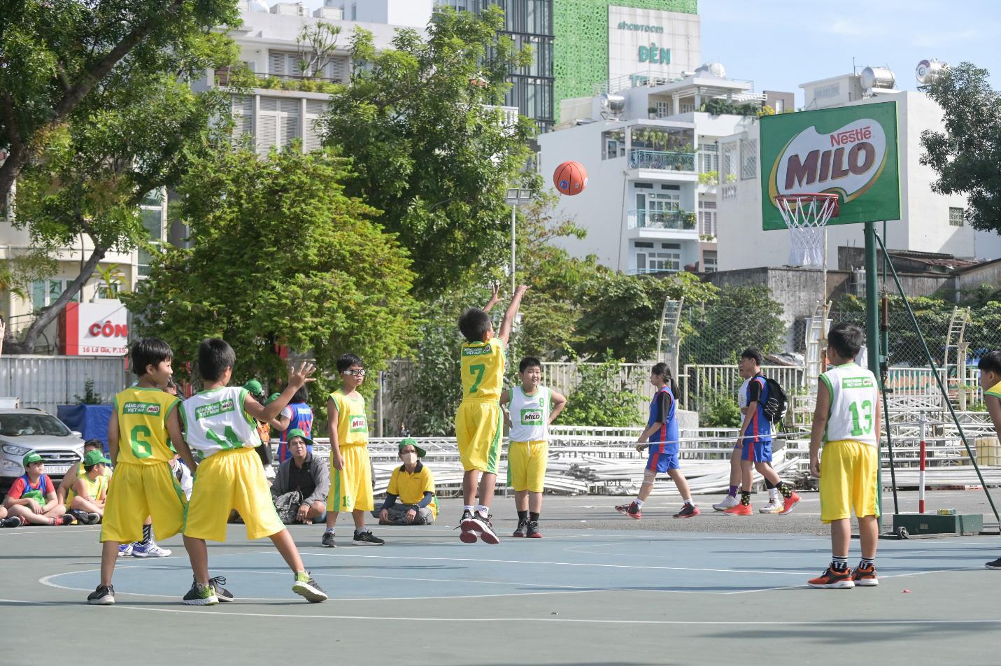 Có một thế hệ trẻ Việt trưởng thành từ sân bóng rổ - Ảnh 3.