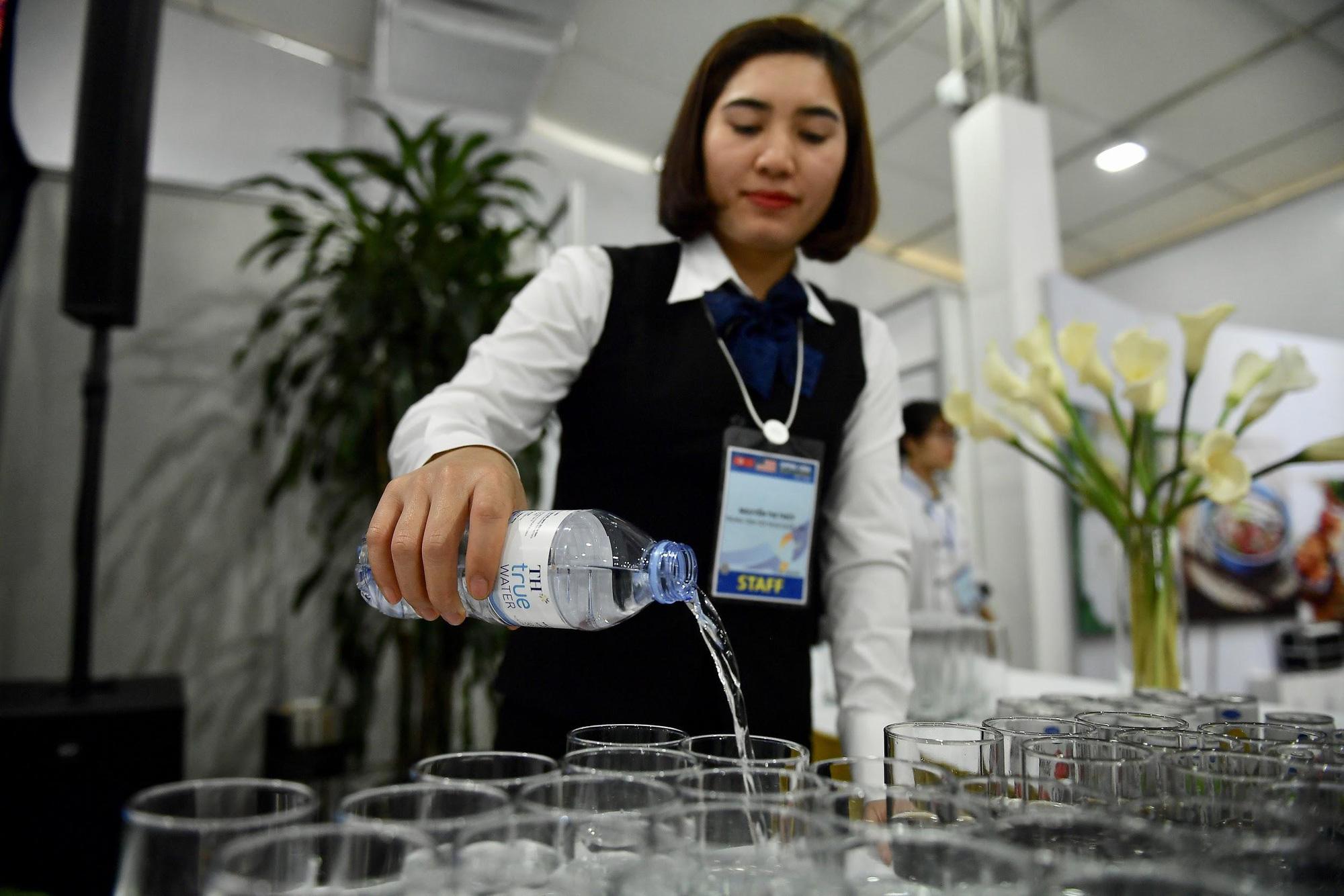 Ngọn núi lửa đã tắt ở Việt Nam mang đến nguồn nước quý cho sức khỏe - Ảnh 8.