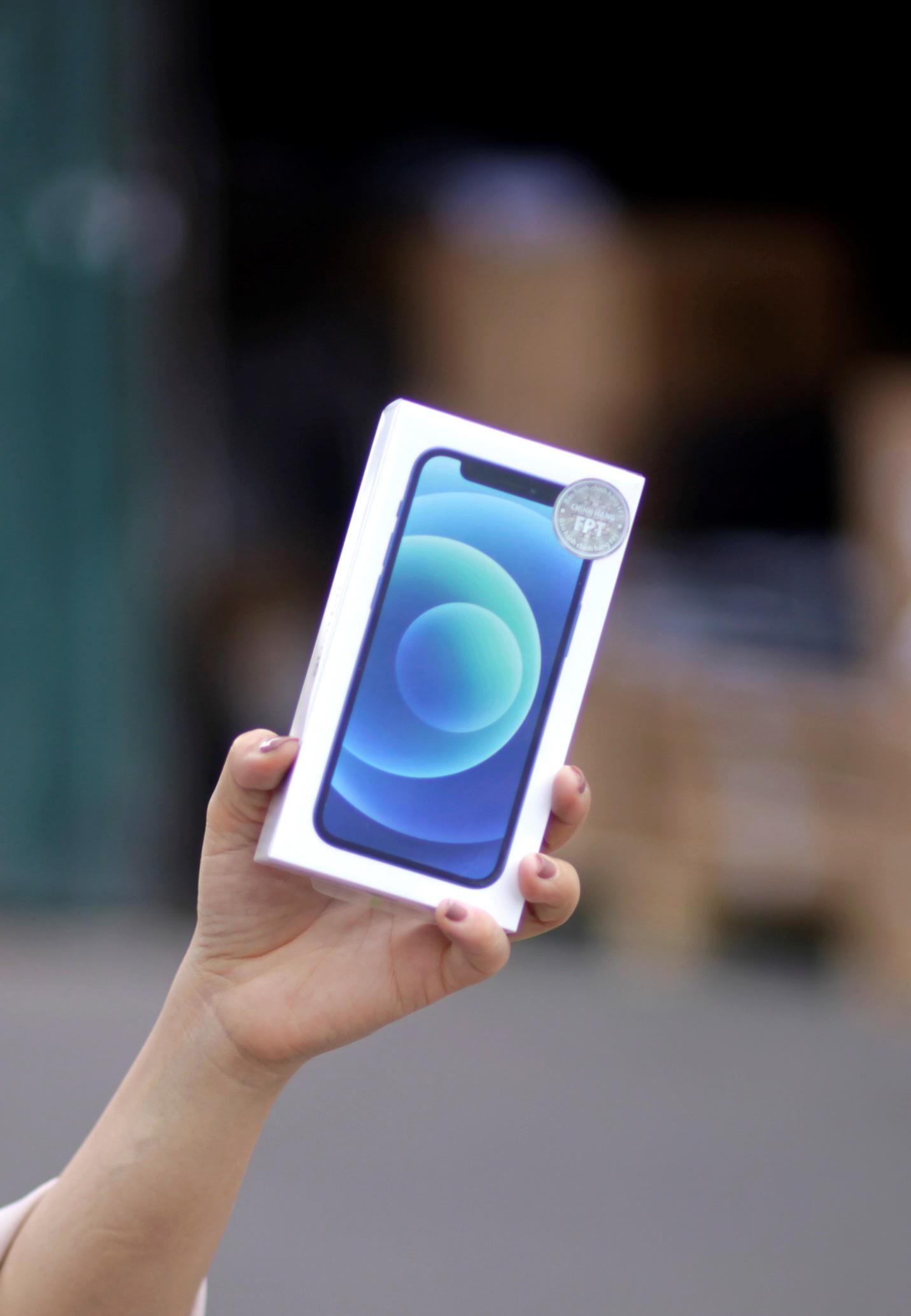 iPhone 12 VN/A tem chính hãng FPT sắp lên kệ tại Việt Nam - Ảnh 2.