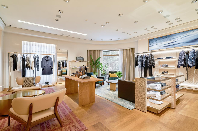 """Louis Vuitton """"thắp sáng"""" Thủ đô Hà Nội với cửa hàng mới: Hoành tráng hơn, lộng lẫy hơn - Ảnh 7."""