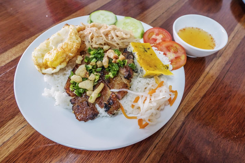 Những món ăn mang đậm dấu ấn Sài Gòn mà bạn nhất định phải thử - Ảnh 2.