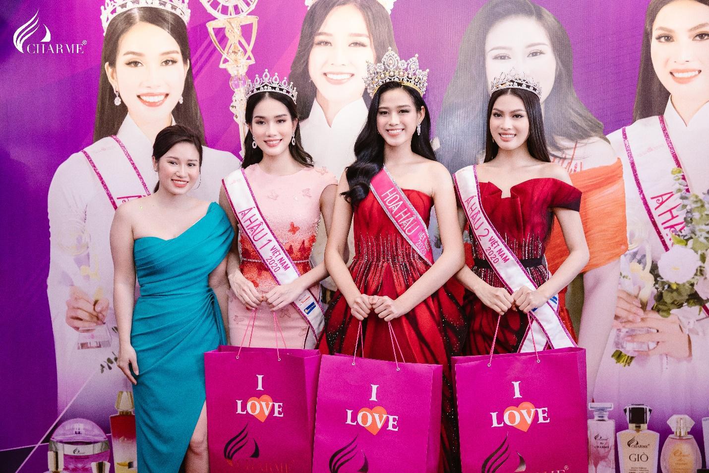 Top Hoa hậu Việt Nam 2020 đến chúc mừng nước hoa Charme khai trương trụ sở công ty tại TP.HCM - Ảnh 4.