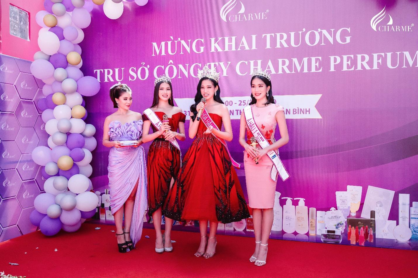 Top Hoa hậu Việt Nam 2020 đến chúc mừng nước hoa Charme khai trương trụ sở công ty tại TP.HCM - Ảnh 5.