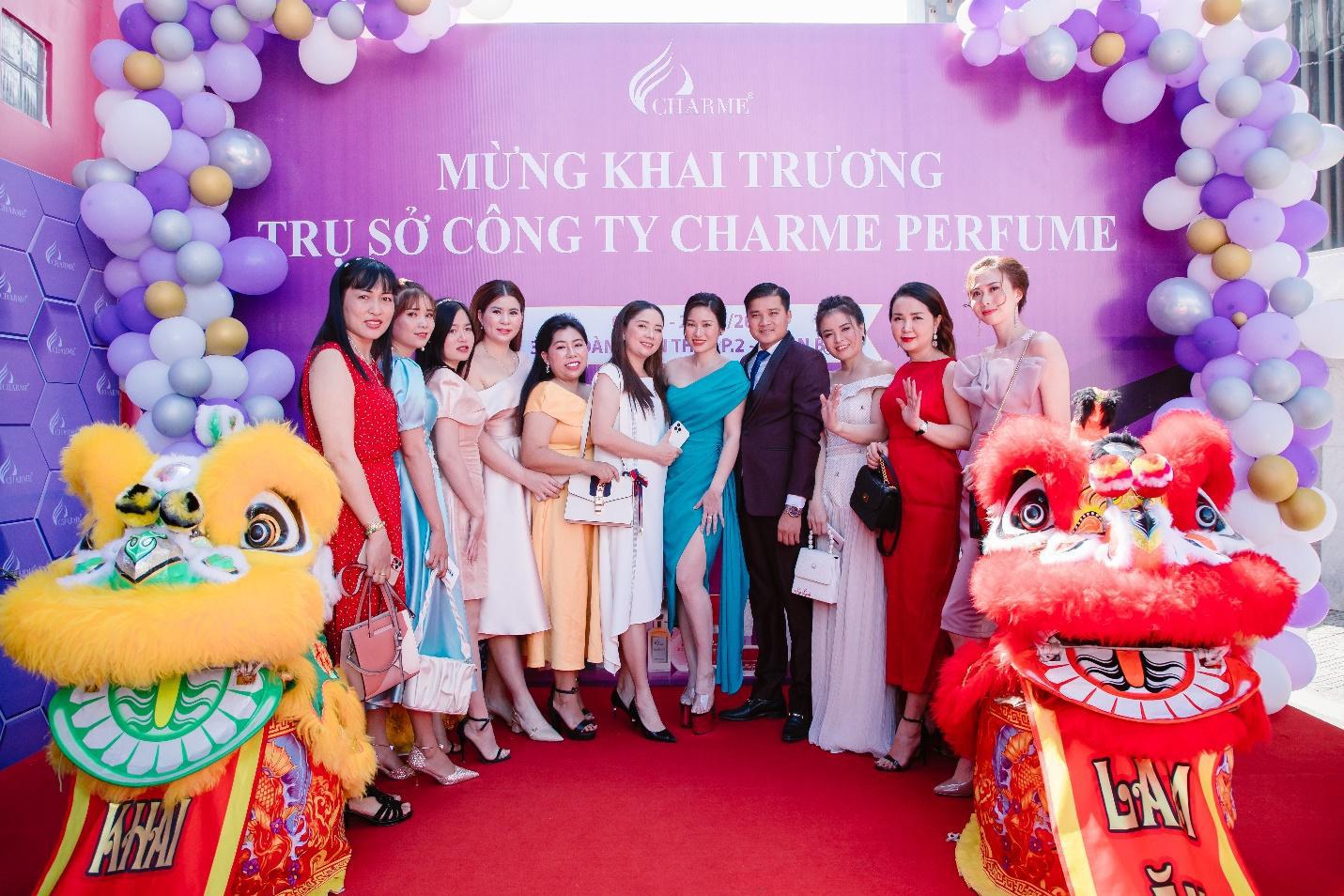 Top Hoa hậu Việt Nam 2020 đến chúc mừng nước hoa Charme khai trương trụ sở công ty tại TP.HCM - Ảnh 6.