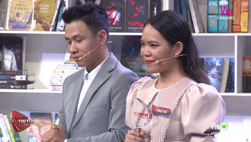 Xác lập kỷ lục thế giới ngay trên sân khấu Siêu Trí Tuệ Việt Nam, nữ bác sĩ 24 tuổi làm rạng danh Trí Tuệ Việt 3 Miền - Ảnh 5.