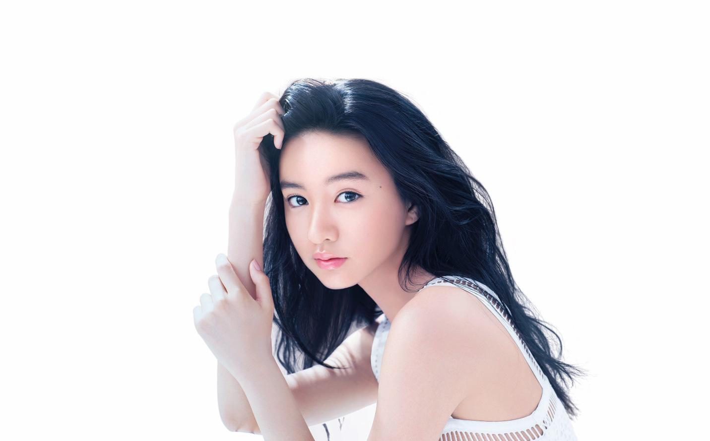 """Nhan sắc đỉnh cao như con gái """"Đệ nhất mỹ nam Nhật Bản"""": Mặt mộc vẫn đẹp lung linh - Ảnh 1."""
