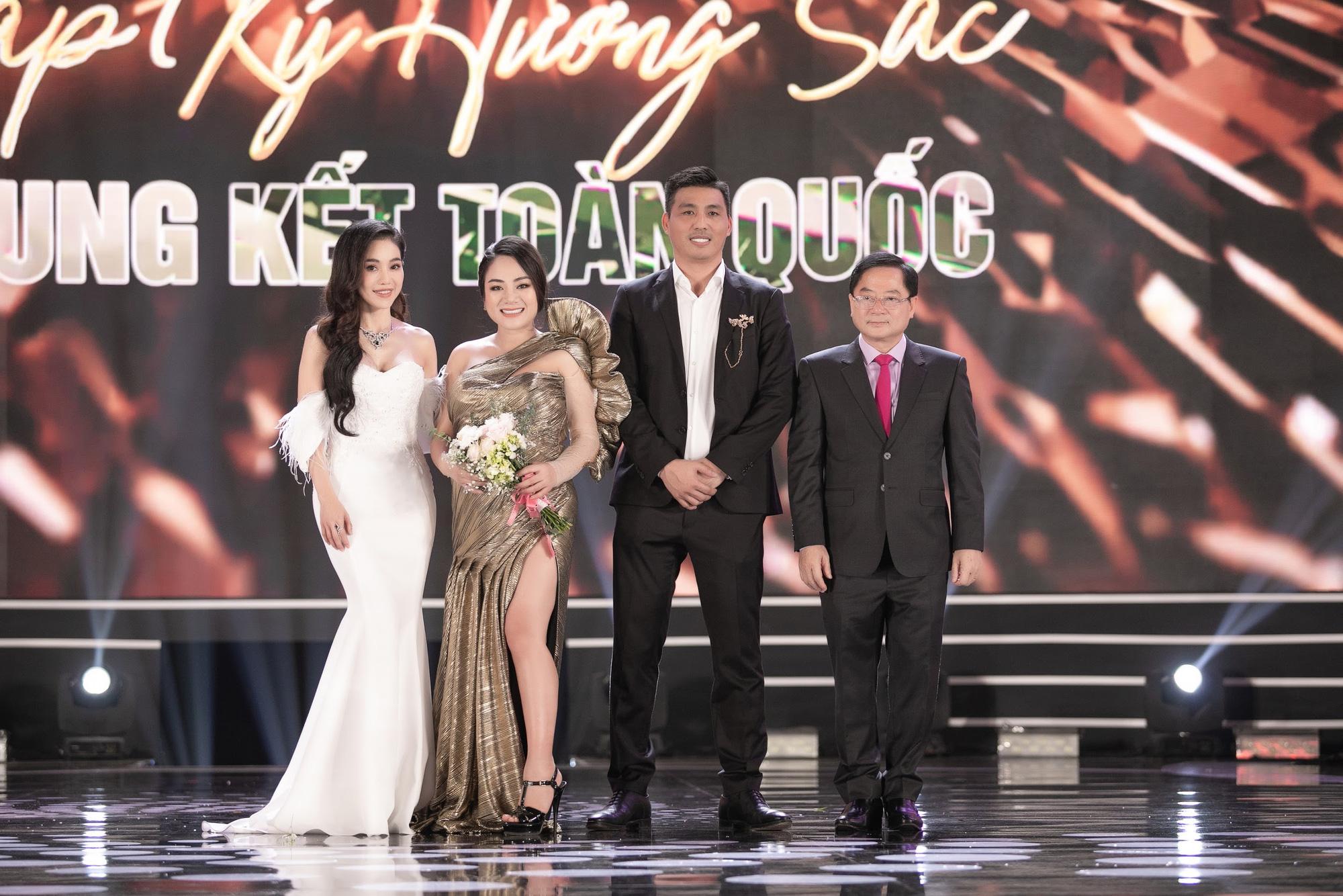 CEO Lê Thị Hồng Nhung cảm động khi đồng hành cùng chuỗi dự án Người Đẹp Nhân Ái - Hoa hậu Việt Nam 2020 - Ảnh 2.